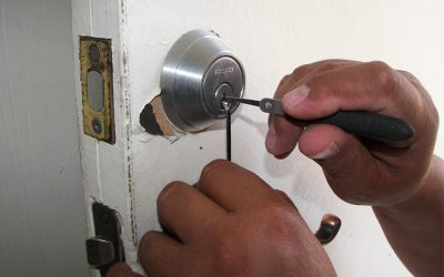 Lock picking and lock bumping. What's the difference?